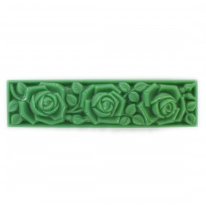 Rectangular pendant with matt embossed floral pattern on 2 sides, green 55x14 mm