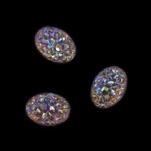 "Oval ""rock"" cabochon, iridescent smoked 18x13 mm"