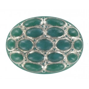 Oval chrysolite cabochon 40x30 mm