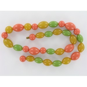 Plastic necklace with mix of olive and round beads, tricolour