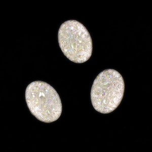 """Oval """"rock"""" cabochon, iridescent crystal 18x13 mm"""