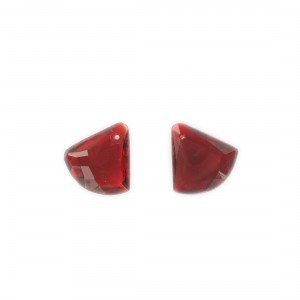 Faceted triangular pendant, ruby 15x15 mm
