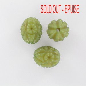 Olive bead with embossed patterns, green 19x15 mm