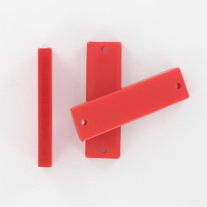 Rectangular plaque with 2 holes, red 35x10 mm