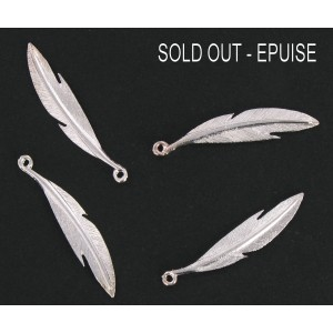 silver plated feather pendant 37 mm