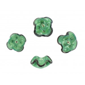 Two tone flower bead, green black 15 mm